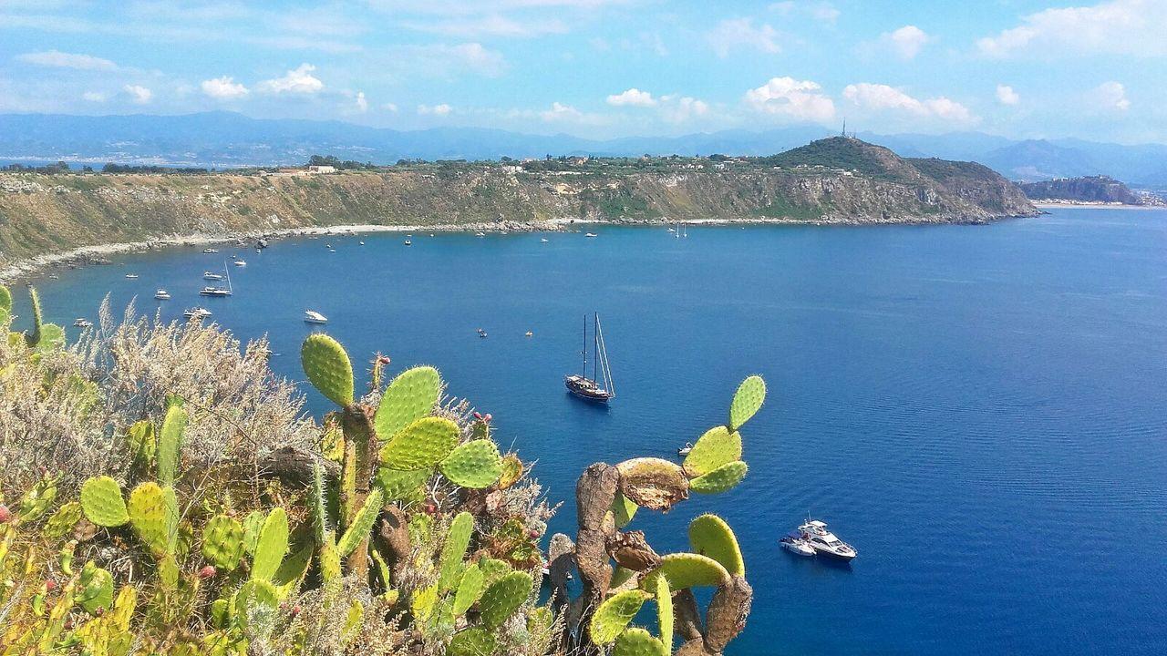 «L'intera Sicilia è una dimensione fantastica. Come si fa a viverci senza Immaginazione?» Leonardo Sciascia